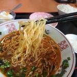 王府 - 中太でプリプリしていて 札幌ラーメンの麺のようでした