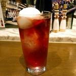SALVATORE CUOMO & BAR - 葡萄のトッティートゥッティー  630円(税別)  葡萄ジュースのお酒。シャーベットを溶かしながら頂きます。