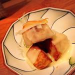 神楽坂 SHUN - クリームチーズ掛けの里芋の唐揚げ \518