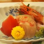 京料理 たん熊北店 Directed by M.Kurisu - 刺身三種、甘海老、鯛は良かった。鮪がねえ