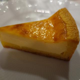 ハレノヒ - 料理写真:ベイクドチーズケーキ