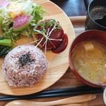 精進スイーツ結び - 玄米プレート(¥1,200)