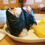 おにぎりカフェ よってこ米!! - 料理写真:しゃけ と たらこ のおにぎり
