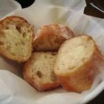 タベルナ・イ・フロール・エル・マノ - 自家製じゃがいもパン