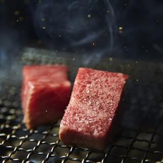 ジュゥワァア。これが最高。ステーキハウスの約3倍肉が出ます。