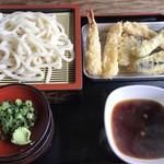 隈屋 - 料理写真:天ざるうどん=720円