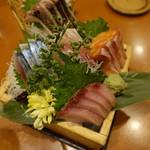 魚 枡 - 升盛りの別角度からの画像