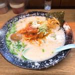 屋台ラーメン とんこつ貴生 - 味噌ホルモン麺900円