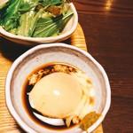暖季 - 水菜サラダと温玉入り天つゆ^ ^