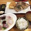 平塚漁港の食堂