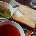 98586074 - スープ、トースト