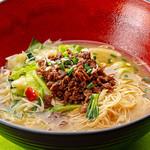 開花 香港海鮮バル - 牛肉乗せ湯麺