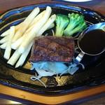 肉の万世 - 料理写真:厚切りステーキ