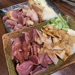 98600838 - 地鶏焼き(タレ、塩)
