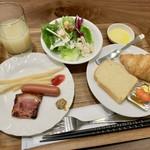 グリルアンドバーポルコピアット - 朝食(\1,300) 洋食盛り付け例