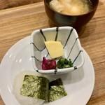 グリルアンドバーポルコピアット - 朝食(\1,300) 和食:おにぎりとおかずセット