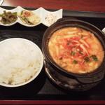 シュリ - スンドゥブチゲ780円(税込)