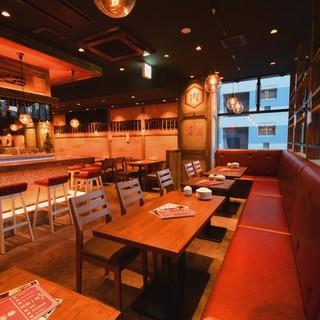 ★名古屋駅徒歩1分!和モダンの落ち着いた空間で楽しむ肉寿司