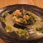 沖縄料理とパクチー うるま食堂 - カキとアーサーのガーリックソテー