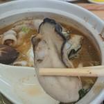 宮戸つばめ食堂 - 牡蠣うどん。牡蠣、旨旨〜。