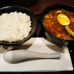 CoCo壱番屋 - 料理写真:ローストチキンスープカレー+ご飯200gだそうです♪