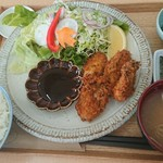 宮戸つばめ食堂 - 牡蠣フライ定食。