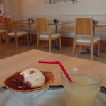 フロレスタ - 料理写真:バニラアイスいちごジャム