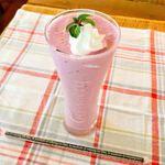 チーズカフェ ウルーム - ベリーとヨーグルトのスムージー