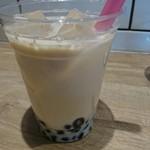 SLOW cafe - キャラメルミルクのタピオカミルクティー