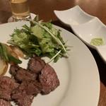 鉄板素材 - 黒毛和牛ステーキ