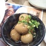 三代目 鳥メロ - 宴会で出す料理の一つ これは単品注文出来ました うずらの玉子ですね 小さくて少ない