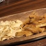 燻製バル けむパー - ココナッツチップと芋けんぴのスモーク