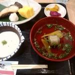 四季百選 - 銀鱈定食の右側