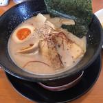 ラーメンひふみ - 料理写真:ひふみラーメン(ドロ系鶏白湯)