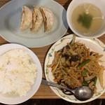小伝馬町餃子 - 豚肉の四川風炒め600円+餃子3個100円