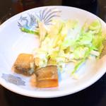 盛苑 - 辛味塩漬豆腐150円