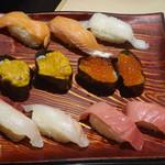きづなすし - サーモン,えんがわ, うに,いくら,鯛, 本鮪中トロ(食べ放題)