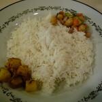 チーニーカリー - Mufgh Curry(チキンレッグ1本カレー) 850円