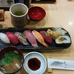 おすしやさん - 料理写真:ランチ梅(1080円)