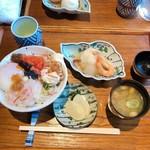 gyarari-andobisutorobengaraya - やましろ「温泉丼」 1390円