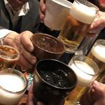 98656393 - 9人で乾杯〜!