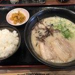 一成 - 料理写真:ラーメン こく味=500円 小ご飯が日替りで付く