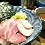 長男、もんたいちお - 特製つけ麺 1000円