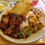 スリランカ料理 ラサハラ - セイロンプレート 1000円
