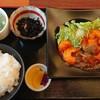 食彩厨房 すみれ亭 - 料理写真:『エビチリ定食』(税込み950円)