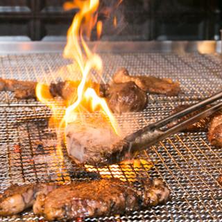 【名物】ランプやイチボ、牛タンなど炭火で食らう豪快な塊肉