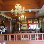 珈琲茶館 集 - 奥の壁は鏡だった