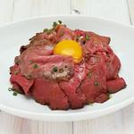 ヴィレッジヴァンガードダイナー - 料理写真:阿波牛ローストビーフ丼