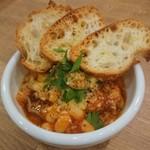 神楽坂タンテボーネ - トリッパ、ギアラ、白インゲン豆のトマト煮込み