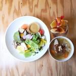 ベジフルキッチン - サラダセット1,000円(限定30食/日)